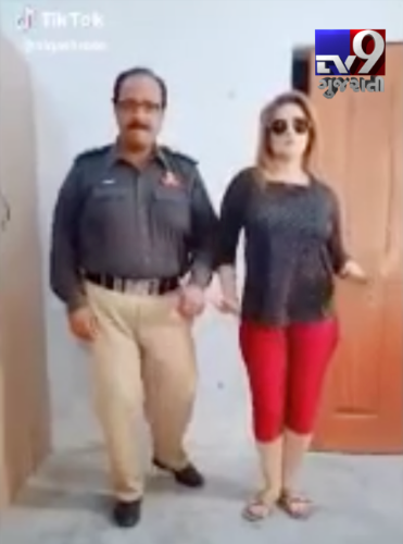 Pak policeman suspended for dancing on Govinda song
