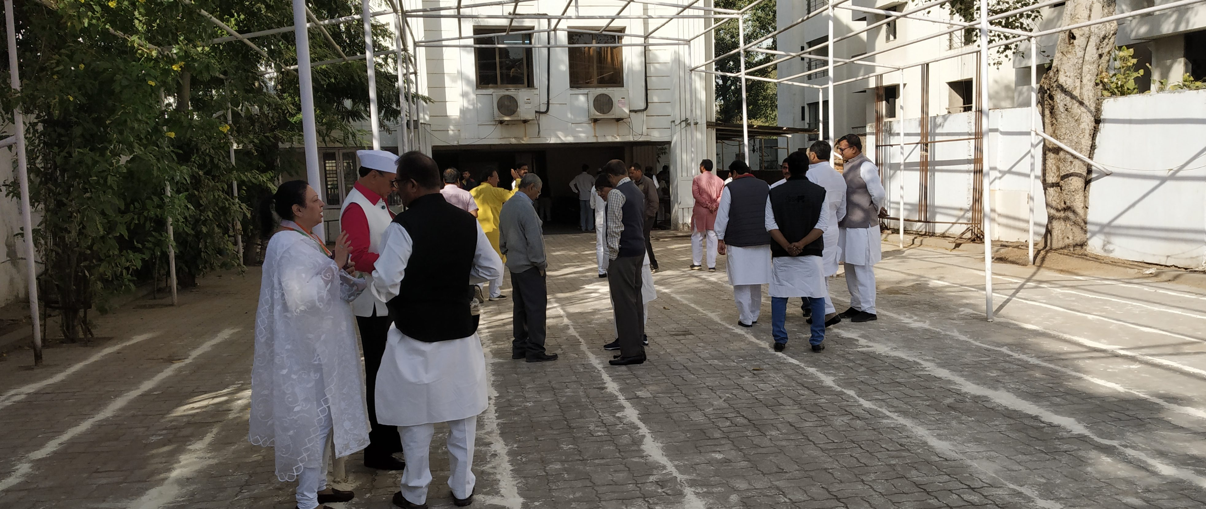 Congress members remained absent during congress foundation day celebration