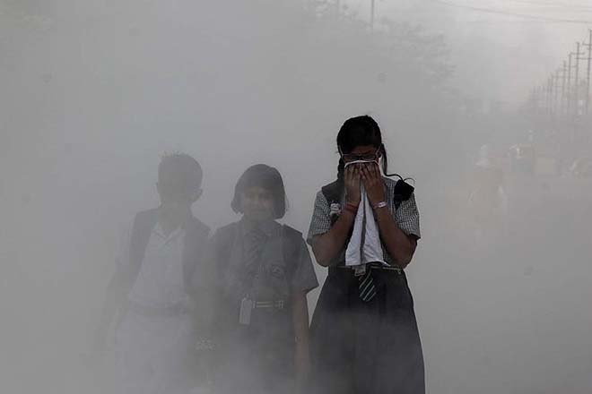 Ahmedabad air turns poisonous, Be careful before going out