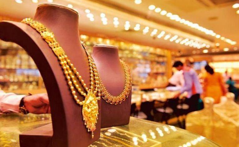 Ahmedabad: Gold prices hit all-time high Sonu fari ek var all time high ahmedabad ma sona ni bhav 50 hajar ne par