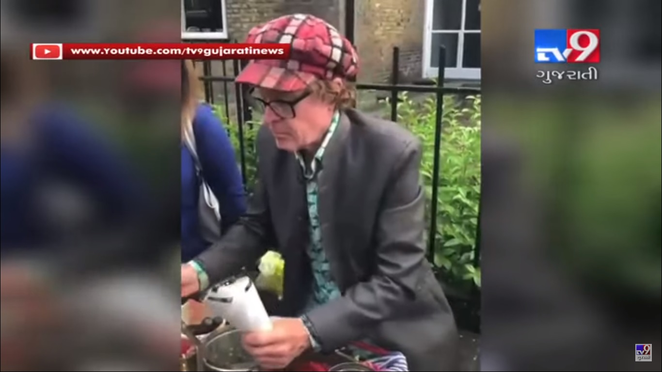 British man served Indian dish 'Jhalmuri' to people outside Oval cricket stadium