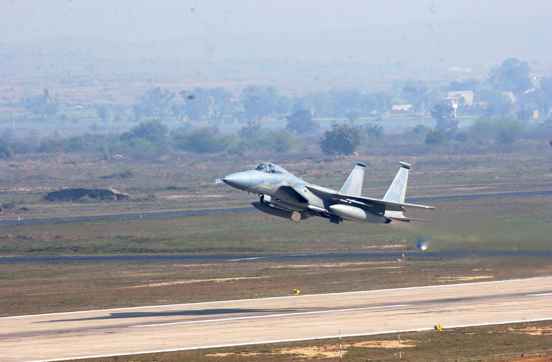 air-force-chief-visits-leh-to-oversee-operations-in-ladakh-india-china-border-clash