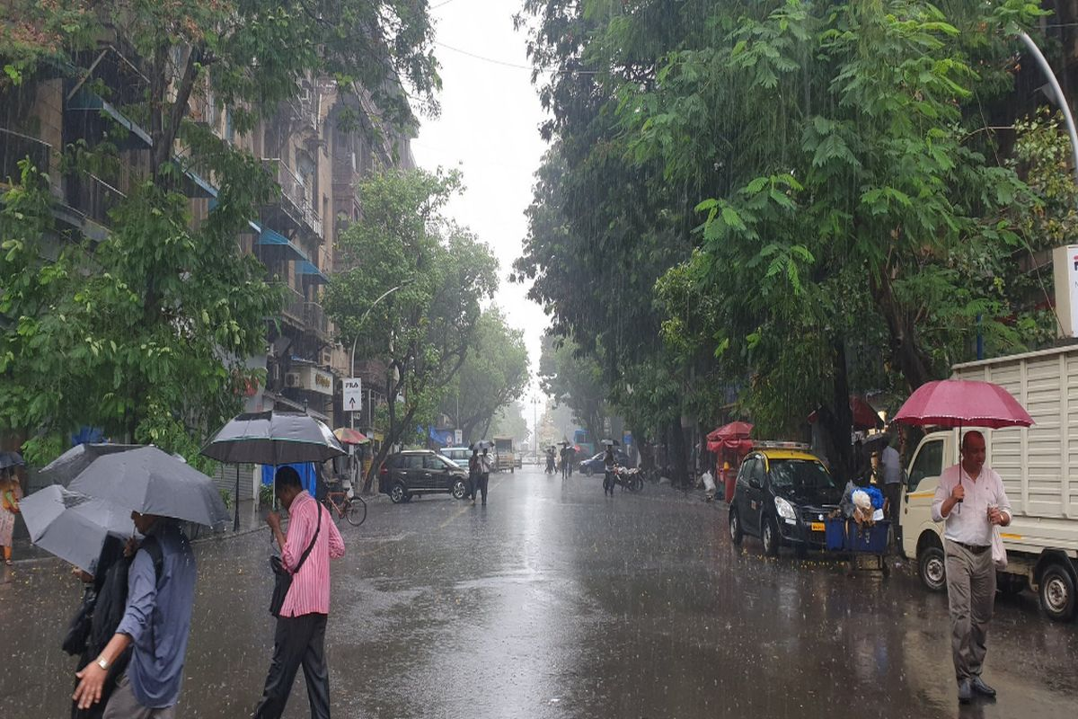 Heavy rainfall, water-logging in many parts of Mumbai