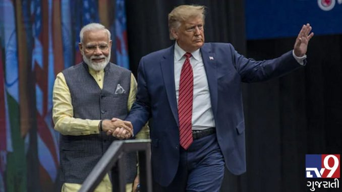 Police jawans deployed to ensure no protests during Trump's roadshow in Ahmedabad ahmedabad modi-trump na road show darmiyan virodh pradarshan na thay tenu aa prakar e khas dhayan rakhase
