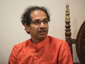 cm-post-na-shapath-lidha-bad-uddhav-thackeray-parivar-sathe-siddhi-vinayak-na-darshne-pohchya