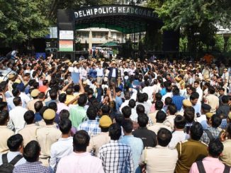 delhi-police-vs-lawyers-clash-high-court-refuses-to-issue-notice
