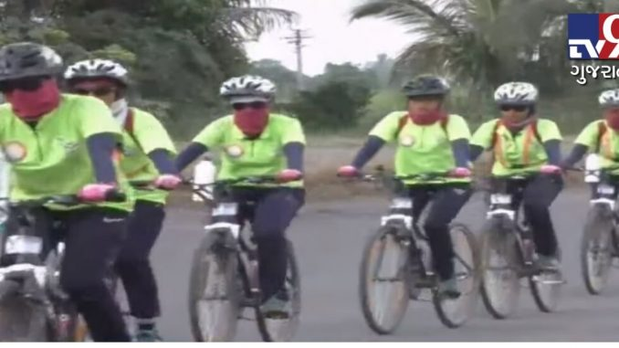 Kashmir to Kanyakumari on bicycle, Mumbai girls spread message of female literacy | TV9News