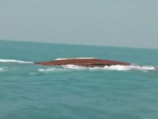 Gir Somnath; 3 boats submerge in sea, 3 sailors go missing