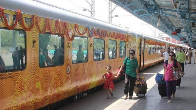 ahmedabad mumbai tejas express train passengers to get rupees 100 each for train delay ahmedabad mumbai tejas express train modi padi darek musafar ne malse aatlu vadtar