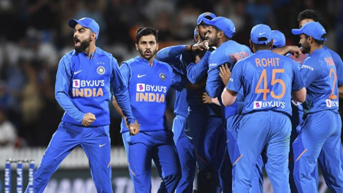 nz vs ind 3rd t20 rohit sharma said mohammad shami gave us the victory Ind vs NZ 3rd T20 Rohit sharma e kahyu ke mari sixer e nahi aa kheladi e India ni team ne jit aapavi