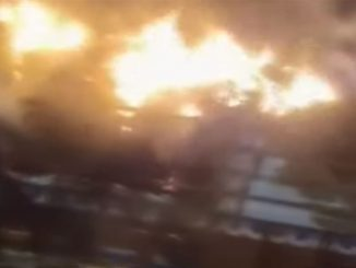 Truck caught fire in Kheda, reason behind fire unknown
