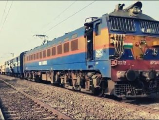 maharashtra-loco-pilot-backs-train-for-500m-to-pick-injured-passenger-see-viral-video