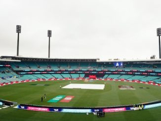 It's raining in Sydney and the toss for the INDvENG WT20WC semifinal is delayed Wto world cup varsad na karane pratham semifinal match ma vilamb rad thase to final match ramse India