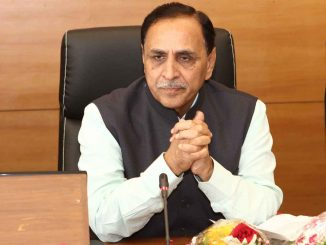 Ahead of Lockdown 4.0 announcement, High level meeting underway at CM Rupani's residence CM Nivasstahne Uach stariya bethak sharu lockdown 4 par manthan