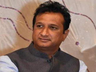 Gujarat Congress MLA Imran Khedawala defeats Coronavirus, Ahmedabad Ahmedabad MLA Imran Khedawala corona thi mukta Hospital mathi raja aapai