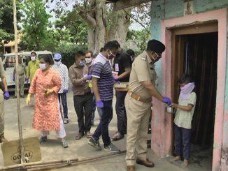 Anand Police no balprem Slam vistaro ma choklet ane vefar nu vitran karvama aavyu