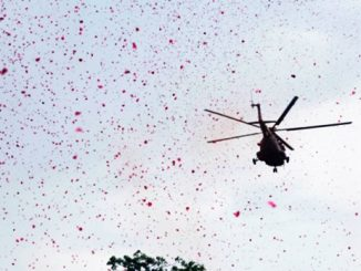 indian air force flypast salute the corona warriors Karmviro ne shurviro ni salam hospital par helicopter thi fulvarsha
