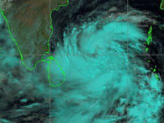 cyclone amphan will be xtremely severe cyclonic storm in next 6 hours Aagami 6 kalak ma sauthi bhishan roop ma hase cyclon amphan odisha ma 11 lakh loko ne bachavani taiyari