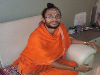 After Palghar, two sadhus strangled to death inside ashram in Maharashtra's Nanded vadhu ek sadhu ni hatya! Maharashtra na palghar bad nanded ma lingayat samaj na sadhu ni hatya