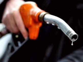 Petrol, diesel prices hiked by ₹7.97 in 15 days corona ni mahamari vache samanya janta ne moto fatko petrol ane diesel na bhav ma satat vadharo