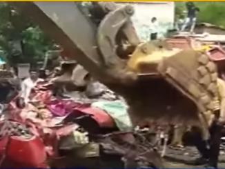 One killed in multi vehicle crash at Mahisagar