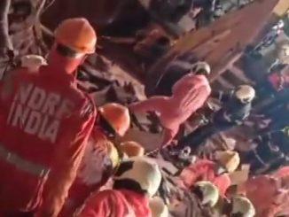 house collapsed two dead malad mumbai Mumbai ma dardnak ghatna makan padi java thi 4 loko na mot 13 loko gayal
