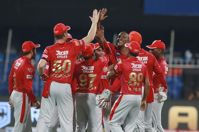 T20 league samsun ane tevatia KXIP par padya bhare Jangi score akhre par padi RR no 4 wicket e vijay
