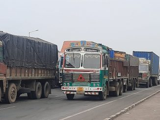For the third day in a row, the traffic jam on the National Highway near Bharuch remained unchanged
