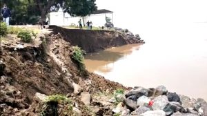 The water released from Sardar Sarovar washed away 150 acres of land in 3 villages