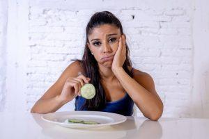 શું તમને ભૂખ નથી લાગતી અને સમયસર જમવાની ઈચ્છા નથી થતી? તો આ લેખ ખાસ વાંચો કેમકે તમે સપડાઈ શકો છે ગંભીર બીમારીમાંવી એ પણ છે એક ગંભીર સમસ્યા. જાણો શું છે કારણો અને શું છે ઉપાયો ?