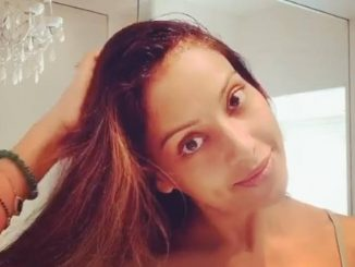 Bipasha Basu's strong hair has become a 'secret', she also uses onion juice for falling hair ..!