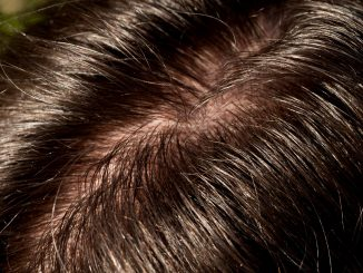 Try this one thing in shampoo to remove oily hair