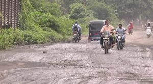 Bharuch's Link Road-Godi Road again in disrepair, Congress compares potholes with corruption