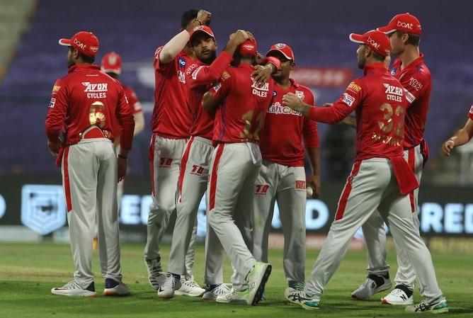 T20 League Polard pandya ni dhamakedar batting MI e banavya 191 run