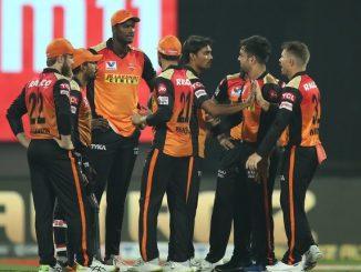T20 league SRH na bowlero na ekjut aakraman same RCB na batsman favi na shakya 7 wicket gumavi 120 run karya