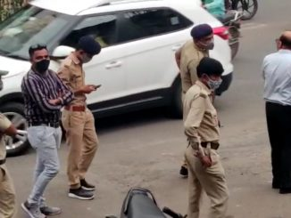 Surat Manpa ni team e mask na pehrnara same karyavahi karva lidhi police ni madad