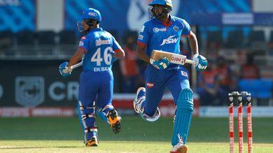 T20 league MI e DC ne 9 wicket aasani thi parast karyu ishan kishan nu shandar aadhdi sadi