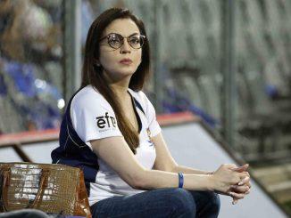 T20 League MI Na dressing room ma rankyo hato nita ambani no phone juvo kevo thayo hato te samay e najaro