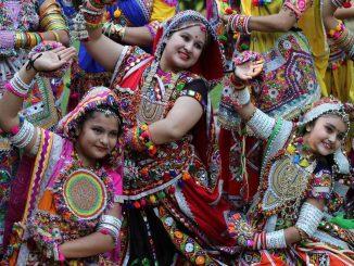 https://tv9gujarati.com/latest-news/vadodra-online-garba-ayojan-khangi-sanshta-kalakaro-ne-roji-roti-malse-179928.html