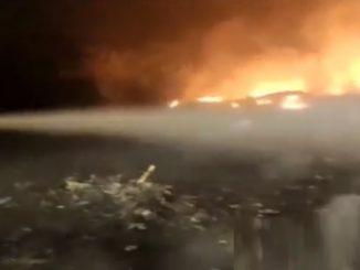 Ambaji: Massive fire breaks out in dumping site near Kailash Tekri Ambaji ma kailash tekri same dumping station par lagi aag dur dur sudhi dhumada dekhata loko ma bhay no mahol