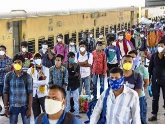 Surat 1300 Migrant labourers return to Surat by Special Train