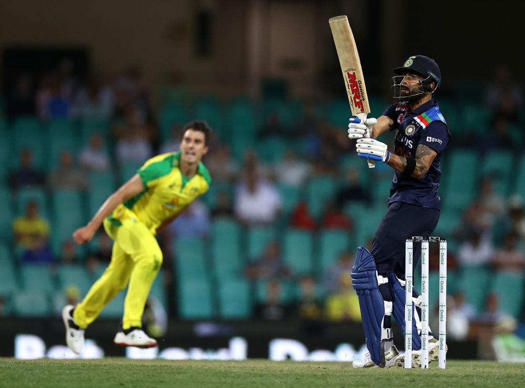 Ind vs aus Australia same 51 run e har sathe bharate one day shreni gumavi vadta javab ma bharat e 9 wicket 338 run karya
