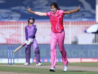 balpan thi cricket shikhi ne duniya ni shreshth bowler bannari mahan mahila kheladi jhulan goswami no aaje 38 mo janmdivas